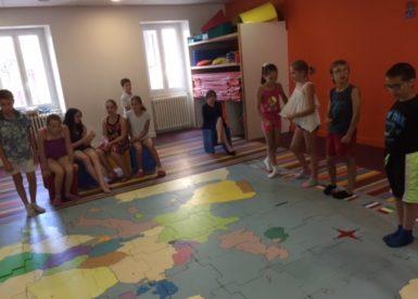 petits-europeens-pour-puzzle-geant